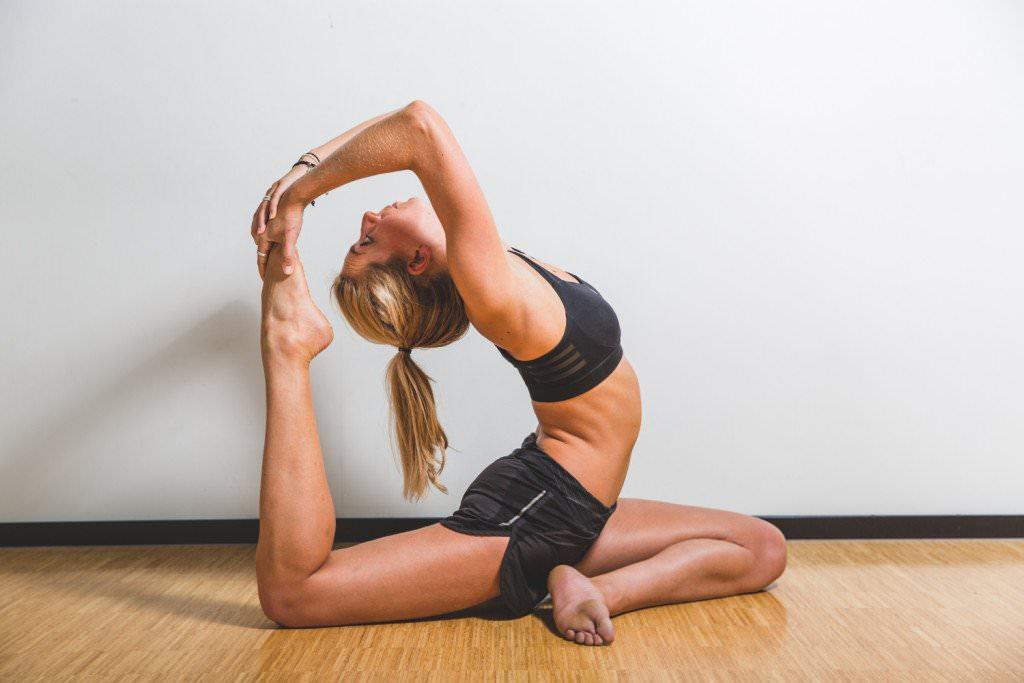 Гимнастика йога для растяжки